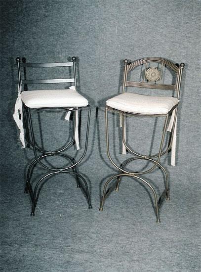 Изпълнение на нестандартни проекти за бар столове от ковано желязо