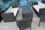 Елегантни и удобни маси и столове от черен ратан